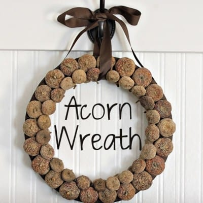 How to Make an Acorn Wreath