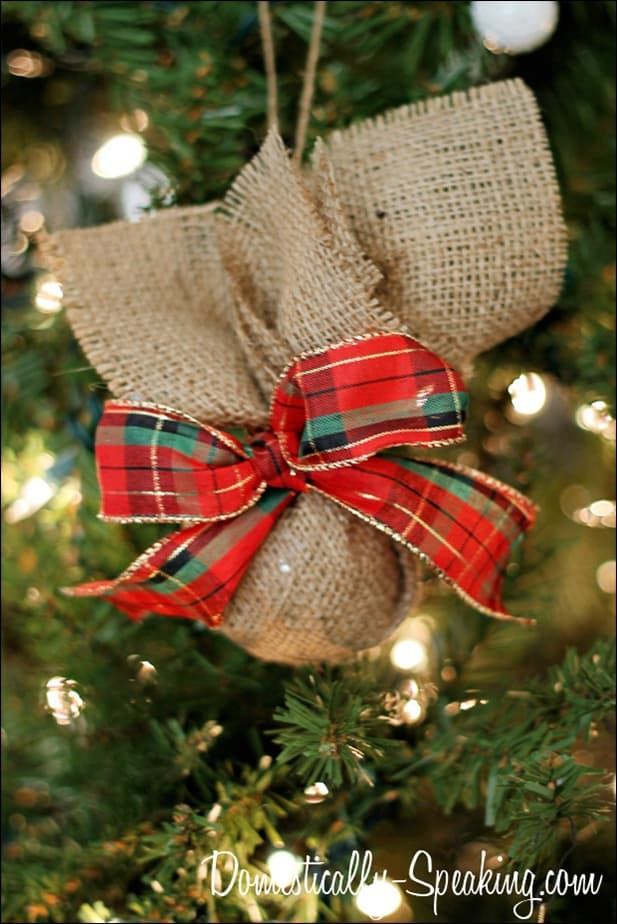 burlap plaid ornament 1