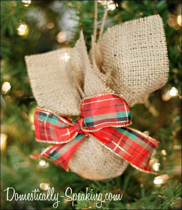 burlap plaid ornament 2
