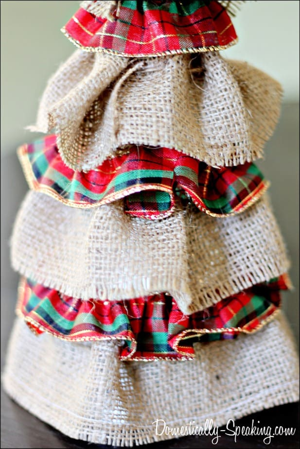 burlap plaid tree 2