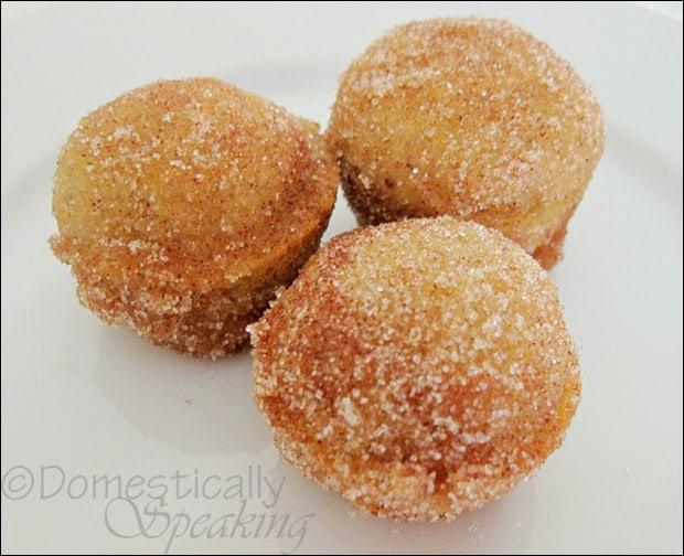Domestically Speaking: Yummy Pumpkin Donut Hole recipe