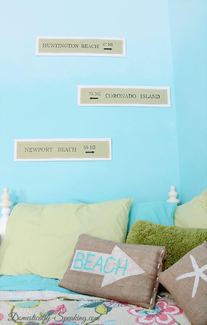 Domestically Speaking: Pottery Barn'ish Beach Signs