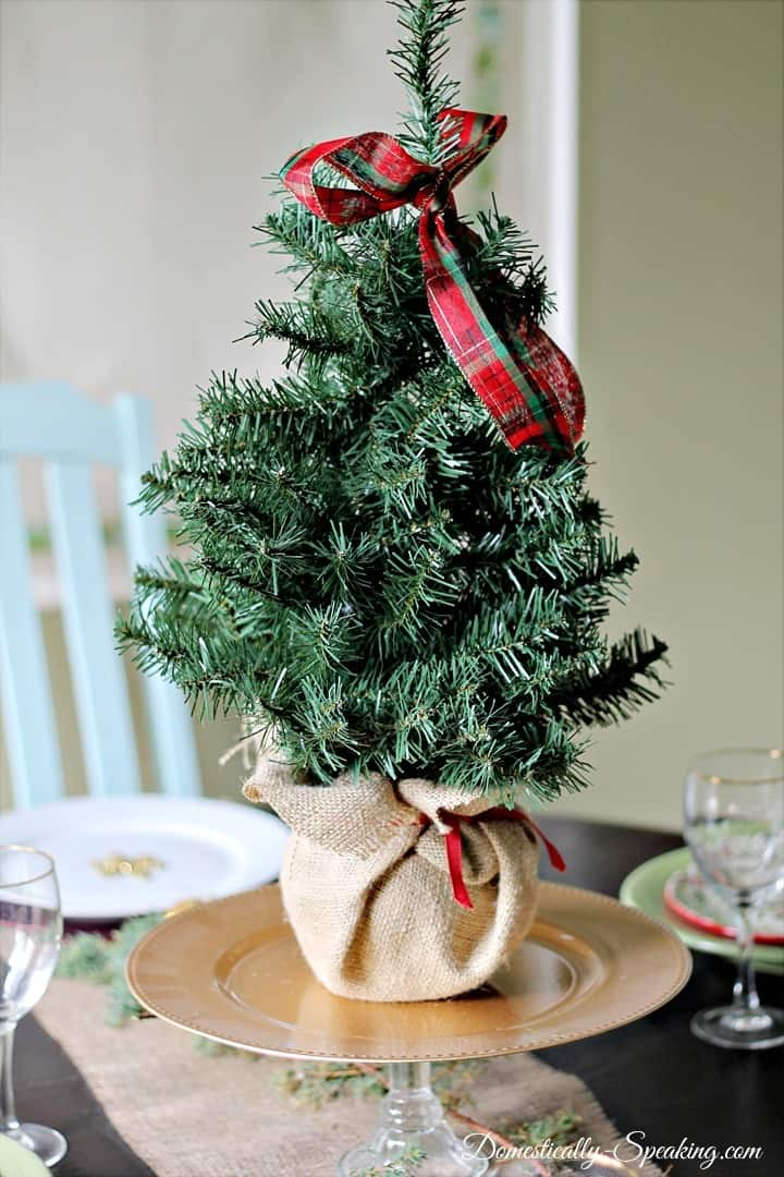 Christmas Home Tour Kitchen Nook Christmas tree wrapped in burlap