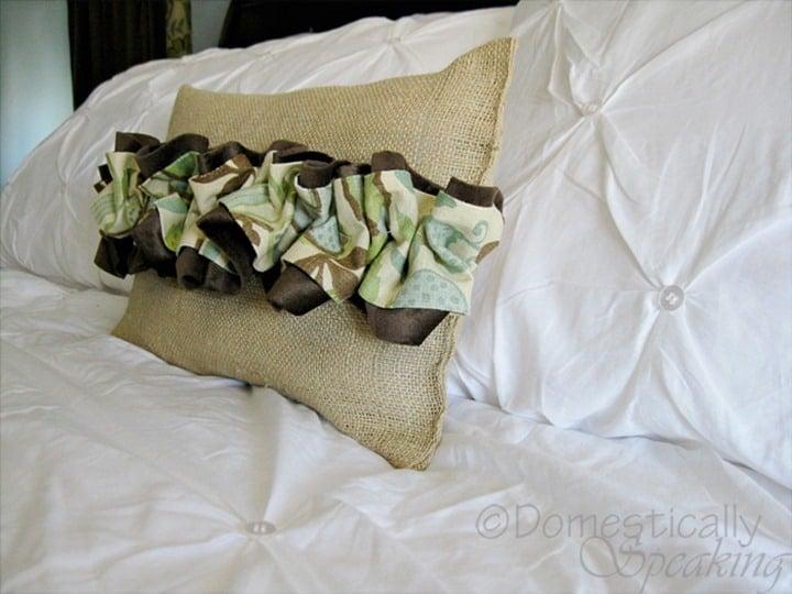 Burap and Ruffles Pillow Tutorial