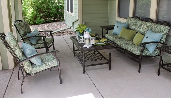 Beautiful Blues and Greens on this Porch Makeover from Southern Seazons
