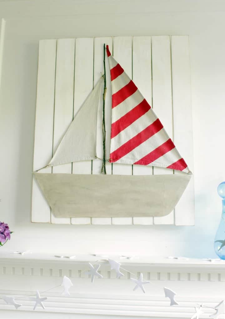 Summer Sailboat Mantel from Remodelando la Casa