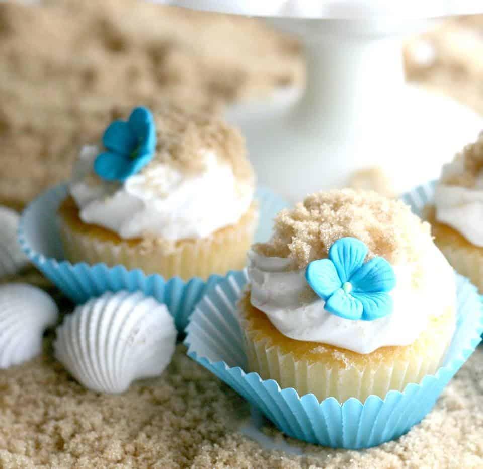 Cupcakes and Crinoline: Beach Inspired Desserts