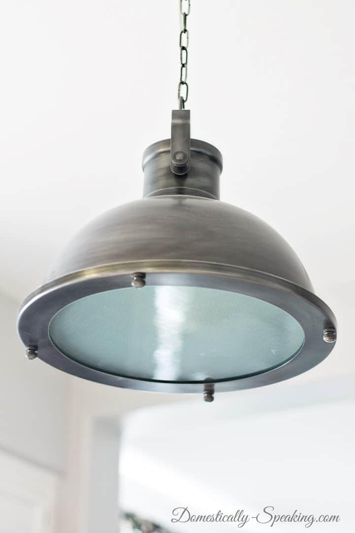 Pendant kitchen light white oak cabis kitchen kitchens for Kitchen pendant lighting picture gallery