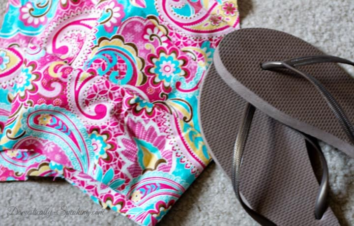 """40794bf03 You gather your cheap flip flops and 4 pieces of 4.5"""" x 24"""" fabric strips."""