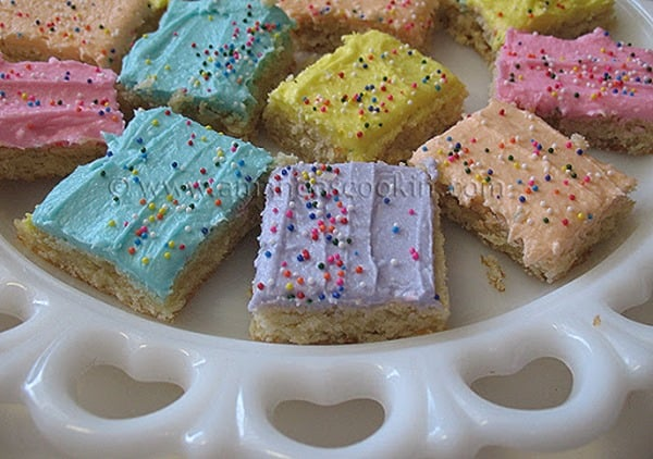 Frosted Sugar Cookie Bars from Amandas Cookin