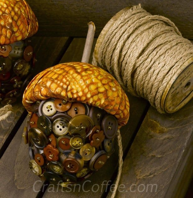 Button Acorns from Crafts n Coffee