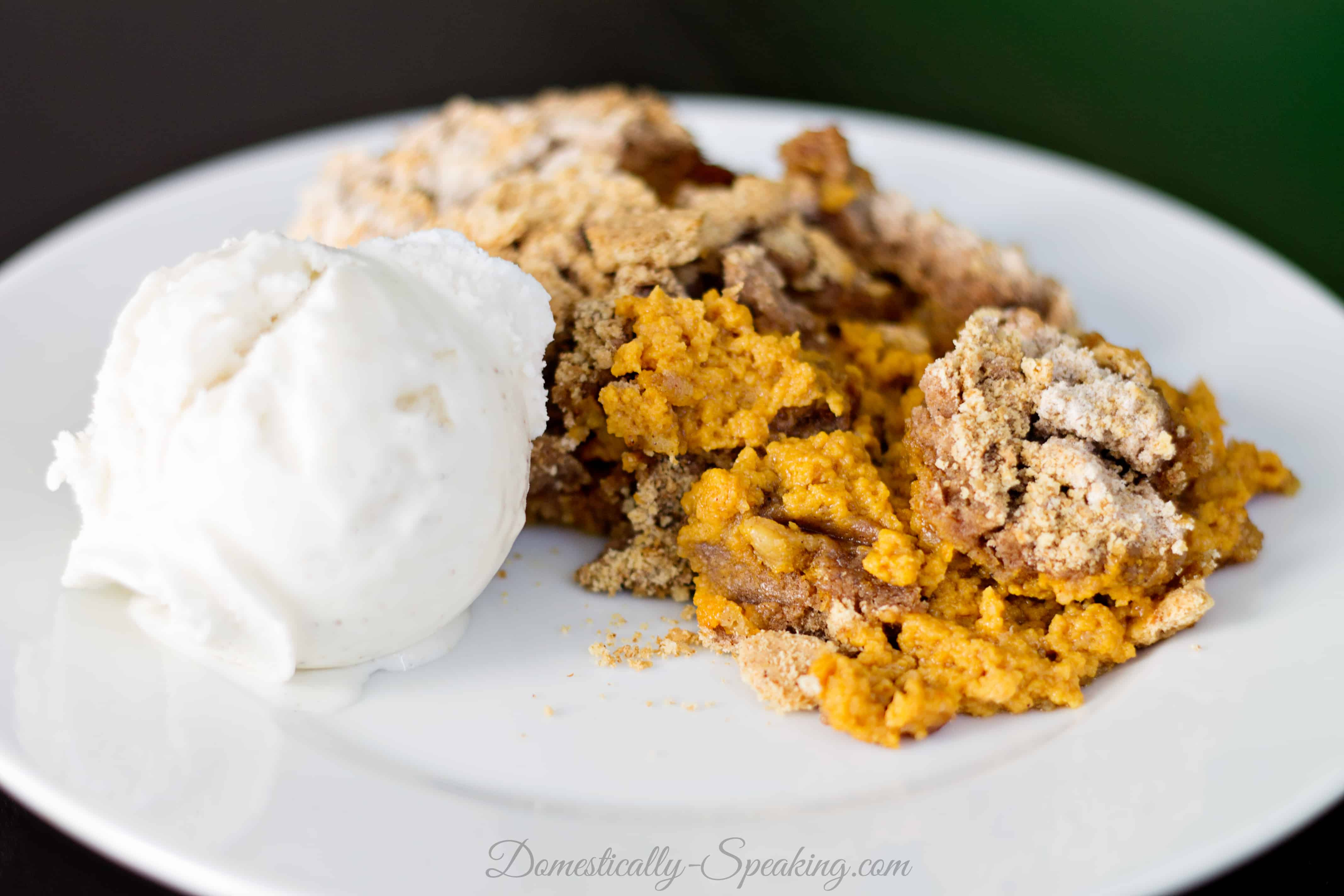 Crockpot Pumpkin Spice Dump Cake 1