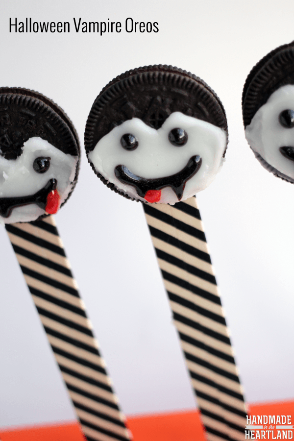 Halloween Vampire Oreos from Handmade in the Heartland