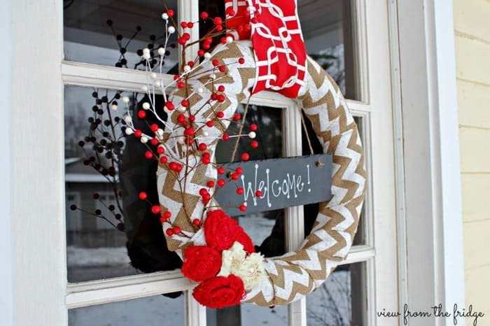 Easy DIY Holiday Wreath from Juggling Act Mama