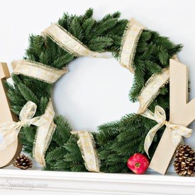 A Joyful Christmas Mantel