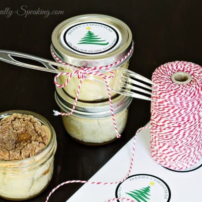 Mason Jar Cinnamon Crumble Apple Pies