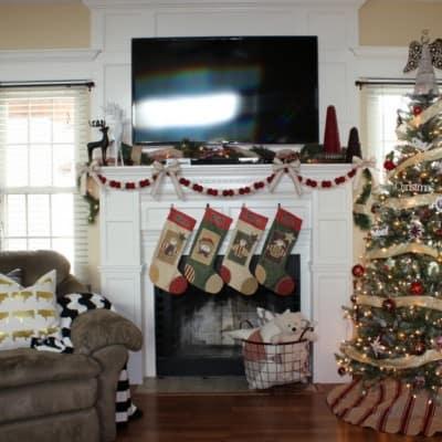 DIY Christmas Mantle