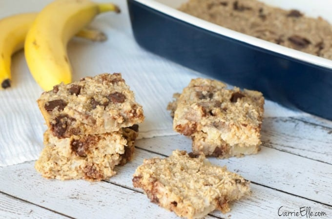 Low Calorie Chocolate Banana Breakfast Bars from Carrie Elle