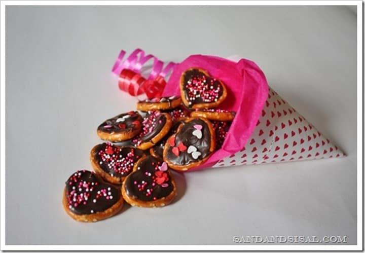 Valentine Pretzel Bites from Sand and Sisal