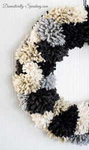 Winter-Pom-Pom-Wreath-12_thumb.jpg