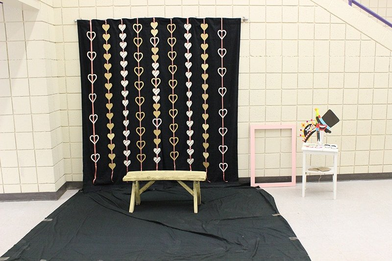 We Love This Backdrop That We Found Over At Domestically Speaking.