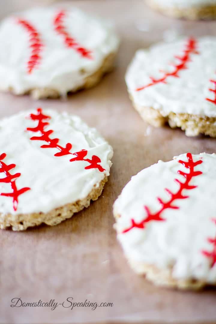 Cute Baseball Krispie Rice Treats