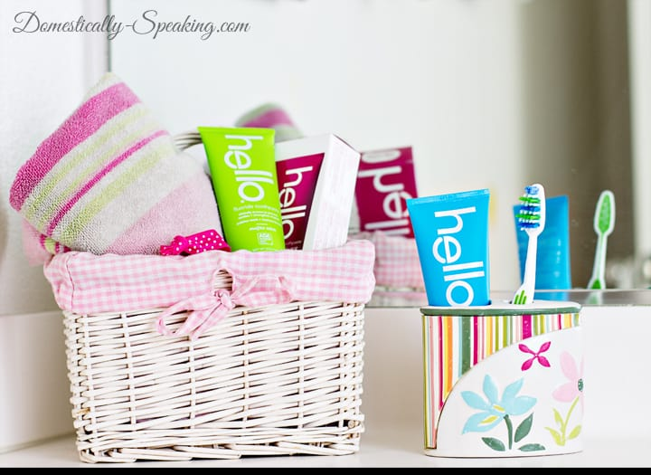 Bathroom Cleaning Checklist with hello 4