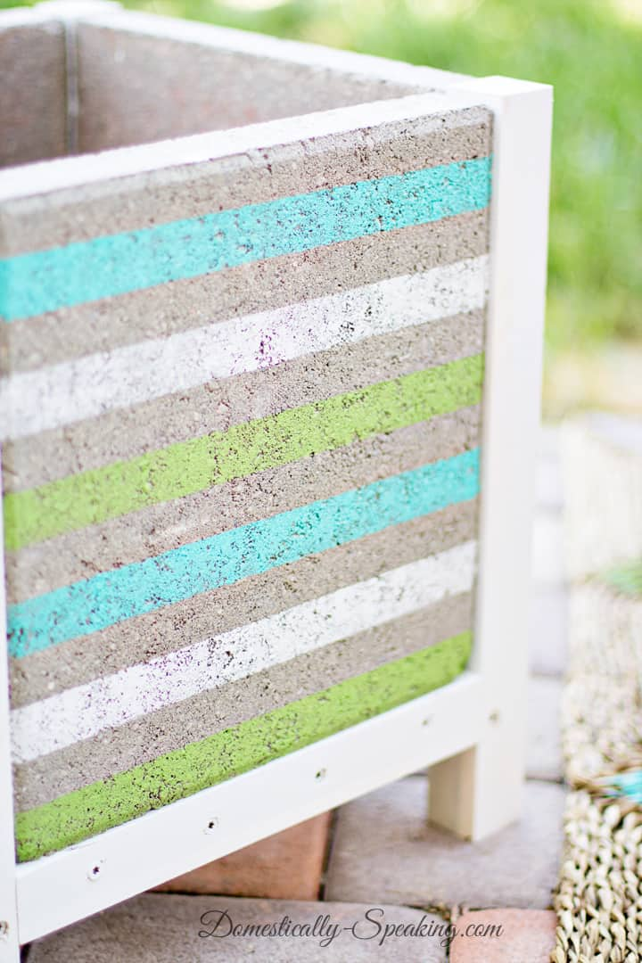 DIY Paver Planter with a Beachy Stripe 10
