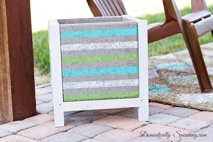 DIY Paver Planter with a Beachy Stripe 12
