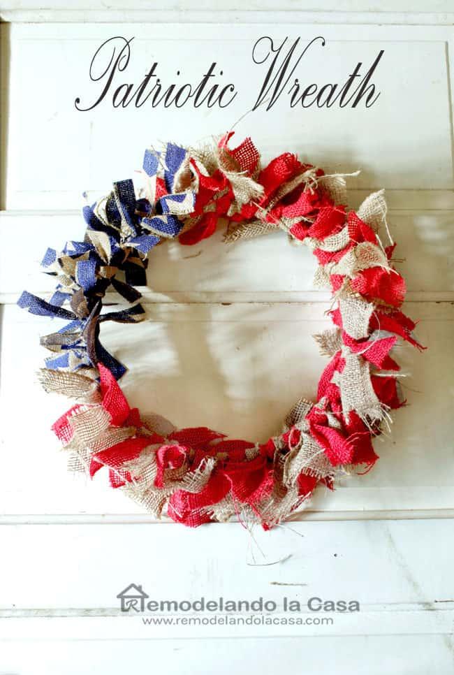 Burlap Patriotic Wreath frmo Remodelando La Casa