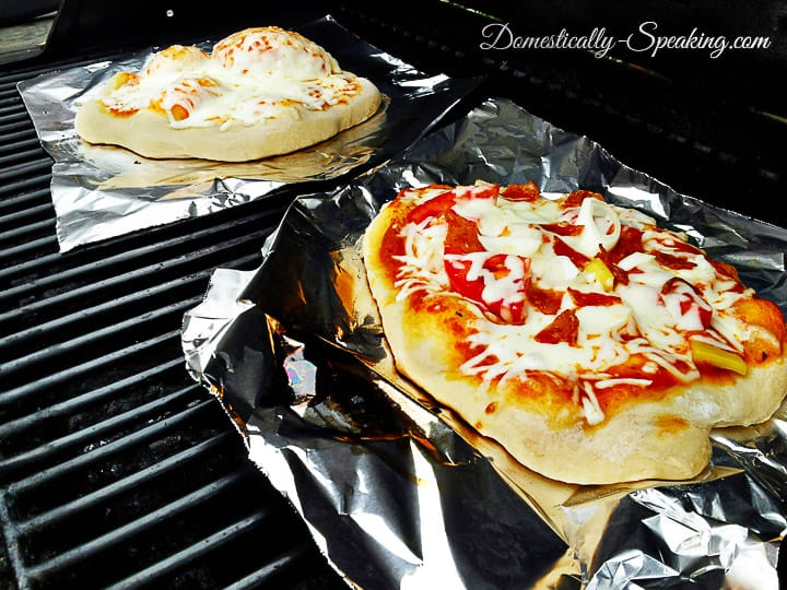 Grilled Pizza Directions - how to make your own