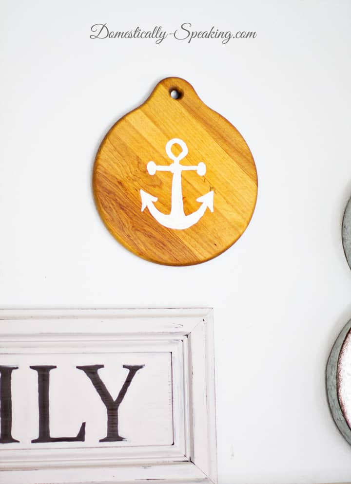 Anchor Decor from a Thrift Store Cutting Board 2