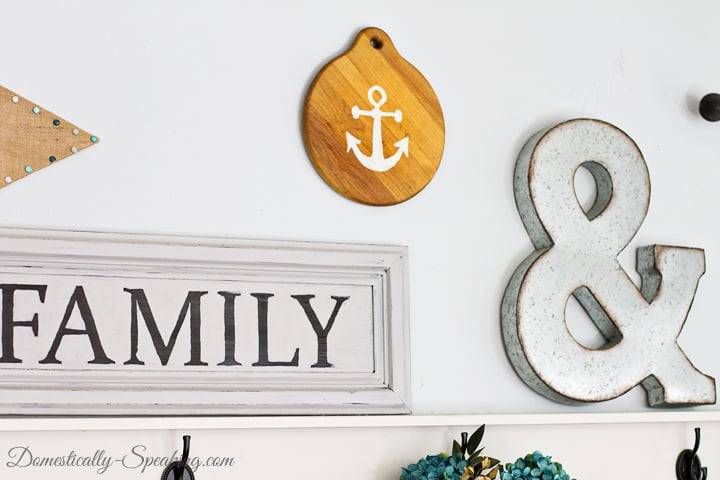 Anchor Decor From A Thrift Store Cutting Board