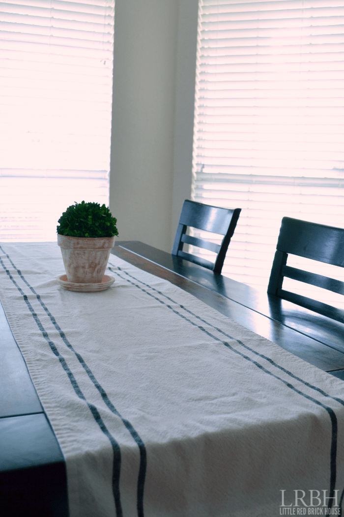 Grain Sack Table Runner | LITTLE RED BRICK HOUSE