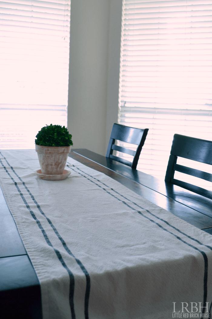 Grain Sack Table Runner | LITTLE RED BRICK HOUSE