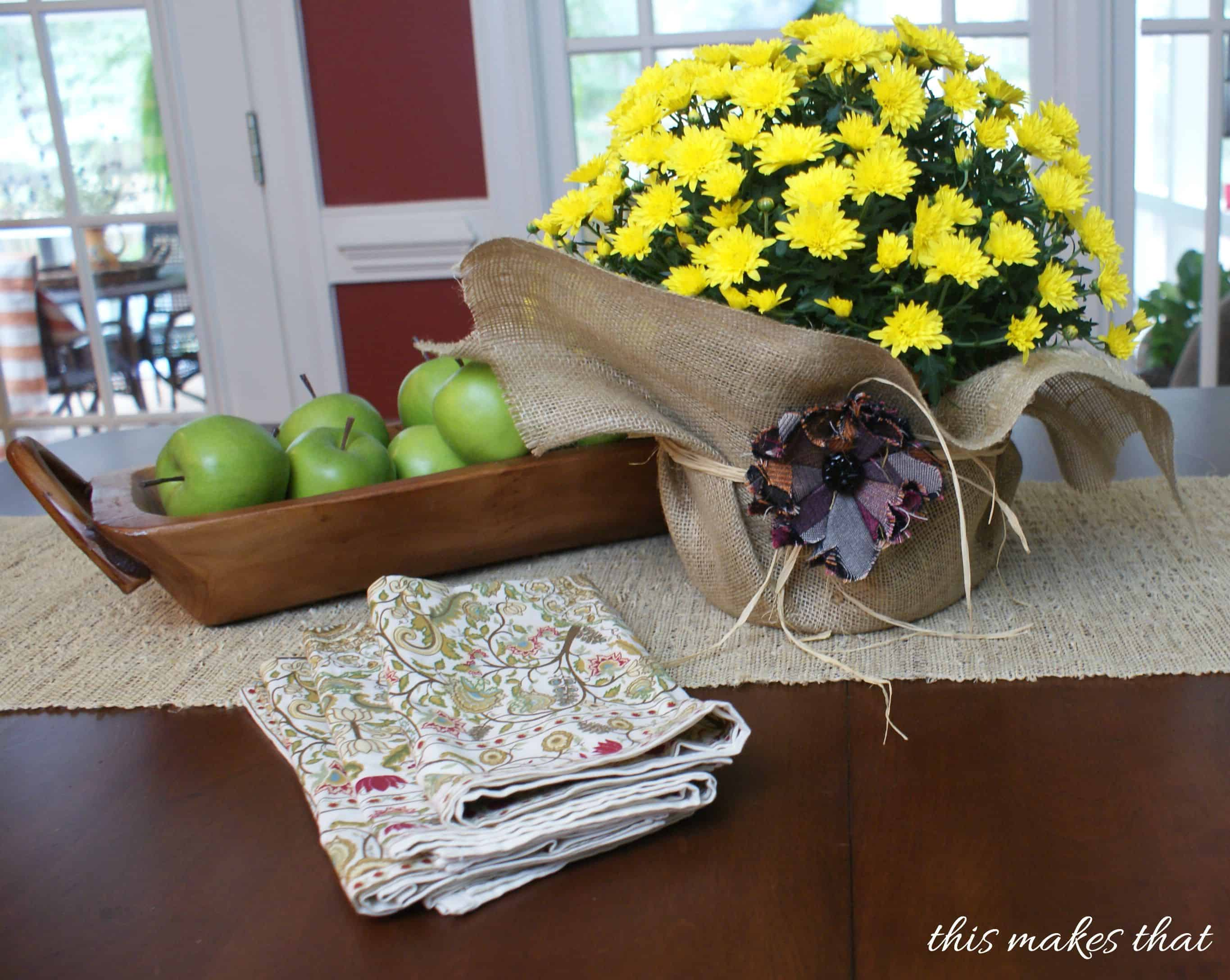 burlap with apples