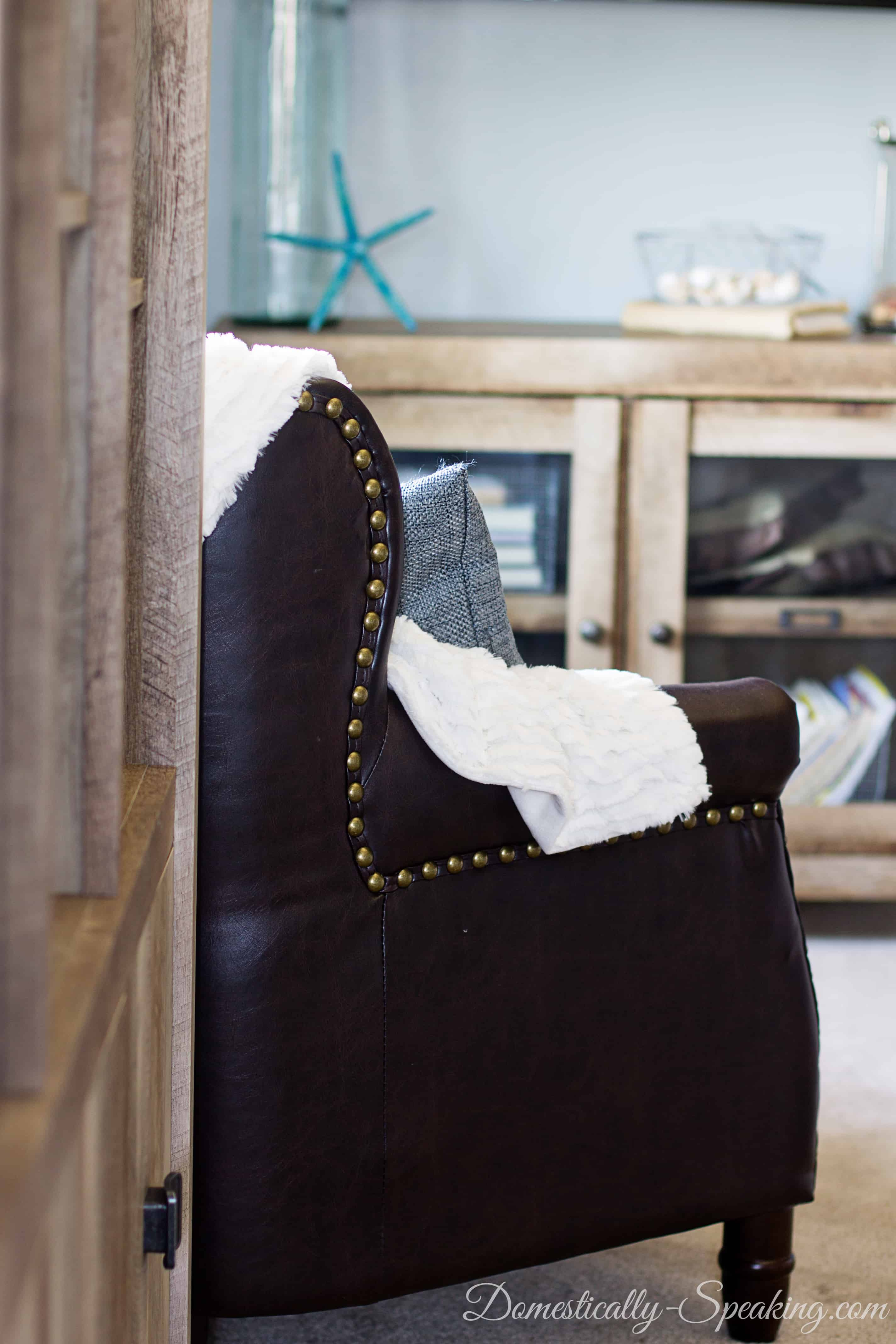Creating a Reading Nook in Your Master Bedroom 1