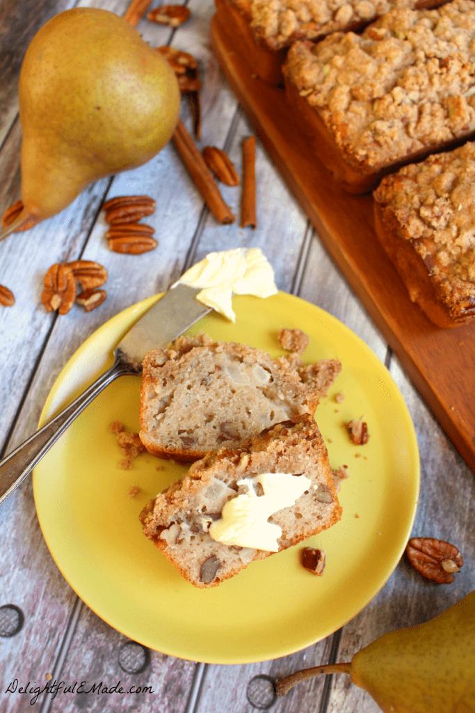 Cinnamon-Pear-Quick-Bread-DelightfulEMade