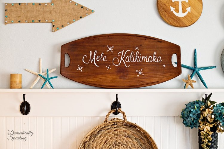 Mele Kalikimaka Painted Sign a Thrift Store Makeover 4