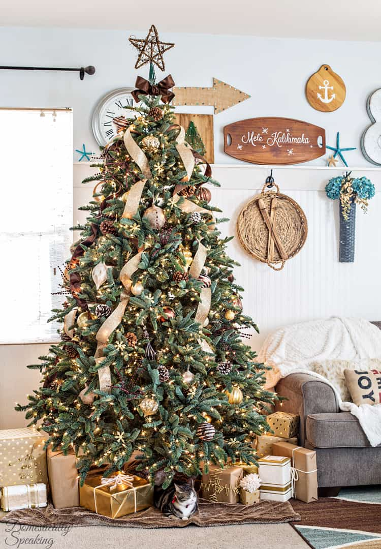 rustic luxe christmas tree a little rustic and a little glam - Christmas Tree Hill