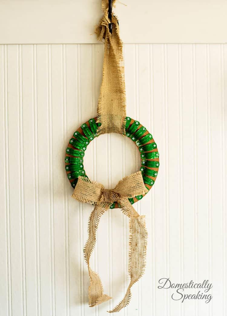 Clamp-Christmas-Wreath-an-industrial-DIY-2