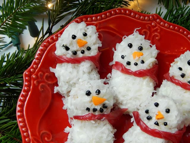 White Chocolate Coconut Nutter Butter Snowman Cookies from Melissa Kaylene