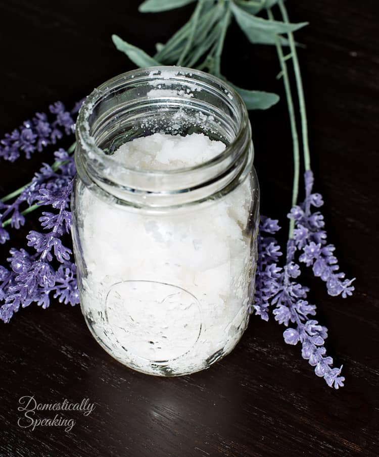 Homemade Body Scrub Recipe Vanilla Lavender soften your winter skin