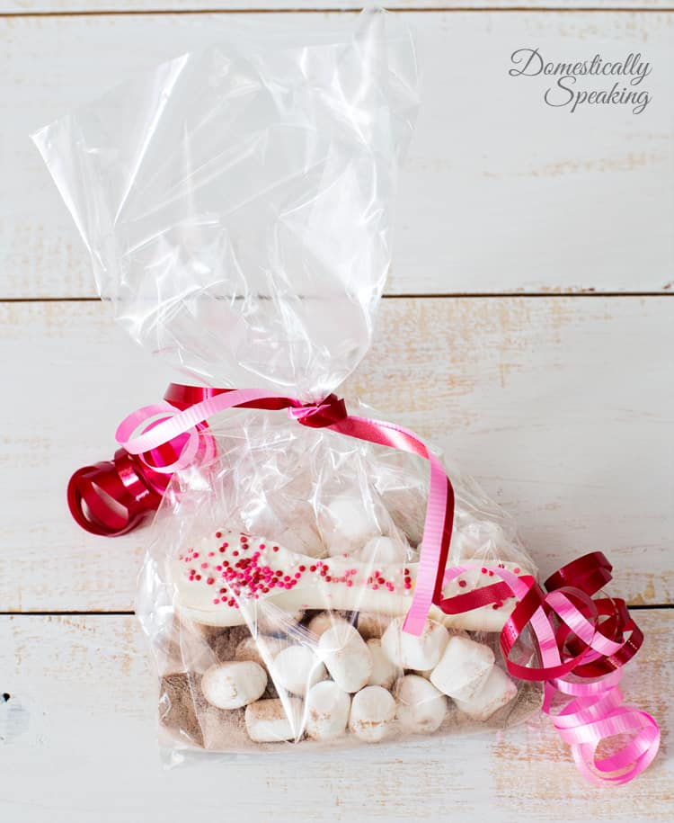 Valentine Gift Idea White Chocolate Spoons with Hot Chocolate and Marshmallows