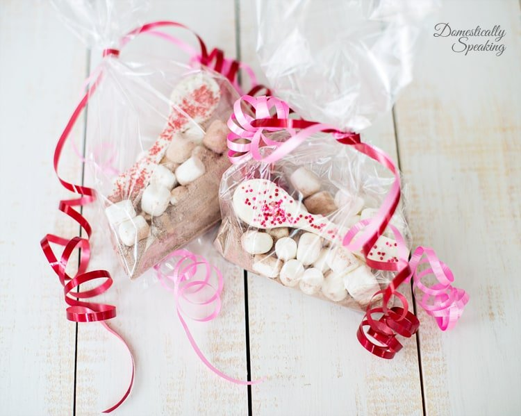 Valentine Gift White Chocolate Spoons with Hot Chocolate and Marshmallows