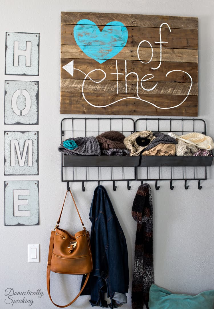 Make Your Own Pallet Sign Heart of the Home