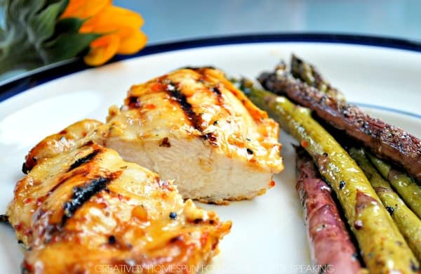 Delicious dinner recipe perfect for summer - grilled chicken and asparagus