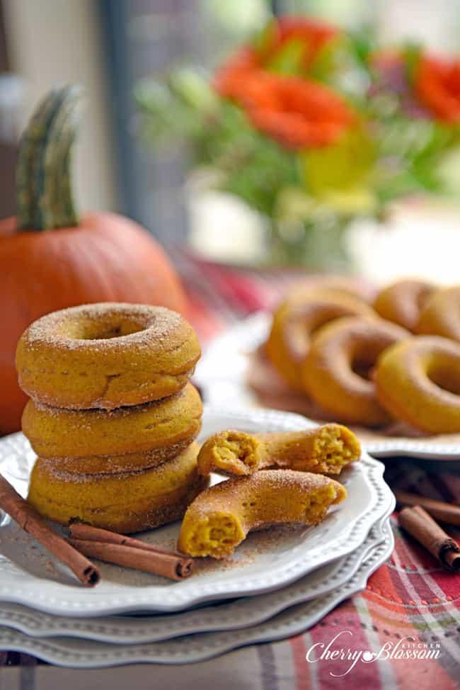 cherry-blossom-kitchen-baked-pumpkin-doughnuts1