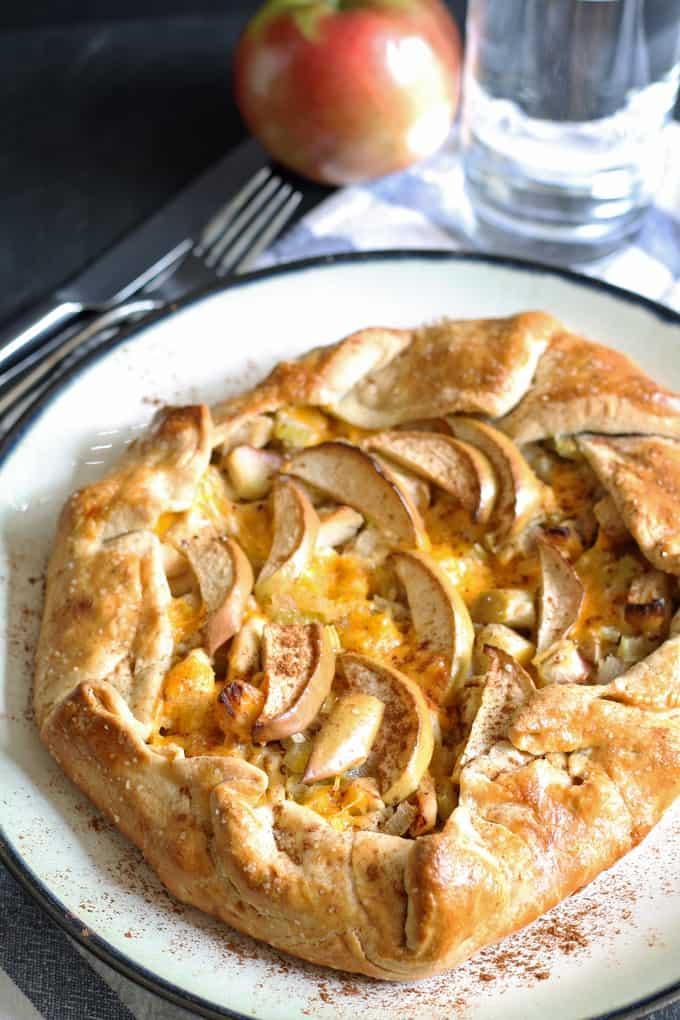 apple-chicken-cheddar-galette-10