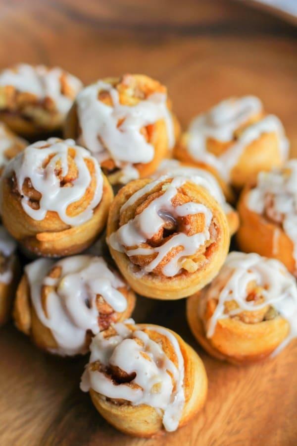 mini-walnut-cinnamon-buns-7-600x900